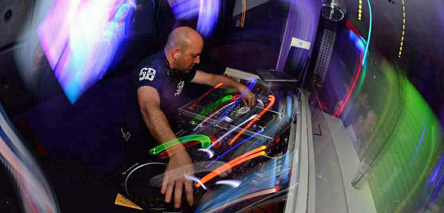 DJ Grant Knowles